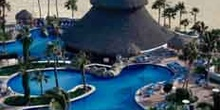 Piscina de un hotel  en Cabo San Lucas, México