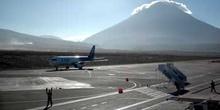 Aeropuerto de Arequipa y volcán Misti, Perú