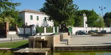 Plaza y fuente en Cubas de la Sagra