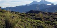 Los dos Ilinizas vistos desde Quilotoa, Ecuador