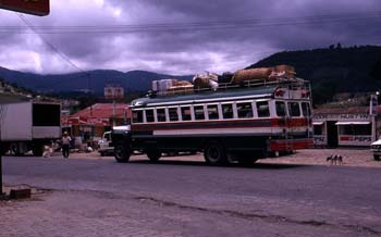 Autobús de pasajeros, Zaculeu, Guatemala