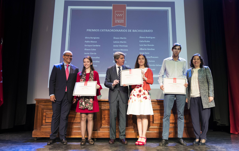 Entrega de los premios extraordinarios correspondientes al curso 2016/2017 12