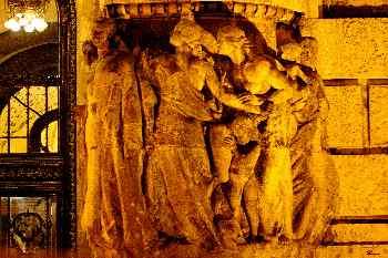 Figura de la entrada de los baños de Rudas, St. Gellért, Hungría