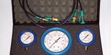Manómetros y racores de presión hidráulica