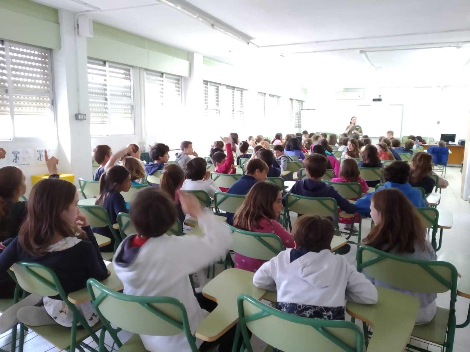 2019_04_05_Quinto A en la miniferia del libro_CEIP FDLR_Las Rozas  2