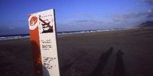 Cartel en playa, Canarias