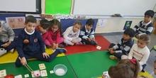 Las abejas de Infantil 5c aprenden a sumar jugando  10