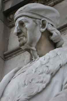 Escultura de Don Antonio de Nebrija