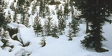 Río nevado en Aiguestortes, Cataluña