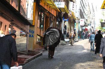 Los camal, cargados como mulas, Estambul, Turquía