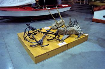 Diferentes tipos de potalas y anclas, Museo Marítimo de Asturias