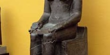 Estatua sedente de Anubis
