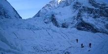 Escalando la cascada de hielo del Khumbu