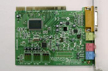 Detalle de componentes de una tarjeta de sonido