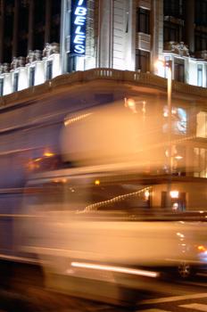 Efecto visual de movimiento de tráfico