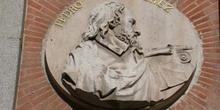 Medallón del arquitecto Pedro Pérez