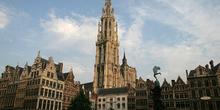 La Gran Plaza o Grote Markt, Amberes, Bélgica
