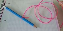 Hacer un compás casero con un lápiz y un hilo