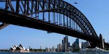 Puente de Sydney y Opera House al fondo, Sydney, Australia