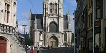 Catedral  de San Bavón desde la Baafsplein, Gante, Bélgica