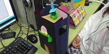 Arduino: primeras pruebas en 5º con prototipos en cartulina