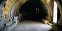 Cripta de la planta baja de Santa María de Naranco, Oviedo, Prin