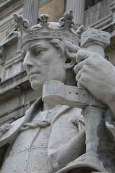 Estatua de Alfonso X el Sabio, rey de Castilla y de León