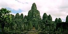 Vista del Bayon en Angkor, Camboya