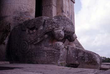 Cabeza de serpiente, Chichén Itzá, México