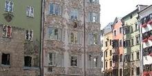 Edificio en Plaza de Goldenes Dachl