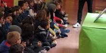 """Infantil 3 años y 1º de Primaria visitan los expositores del la """"Vuelta al Mundo"""" 7"""