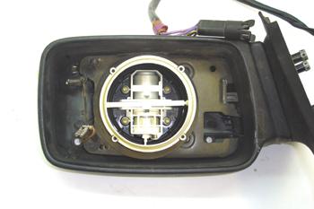 Espejo retrovisor. Detalle motores de ajuste