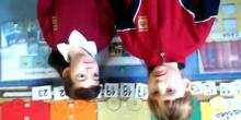 Los alumnos de cuatro años celebran el día de capaz cantando