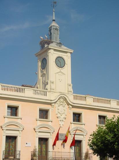 Ayuntamiento de Alcalá de Henares en la Plaza Cervantes