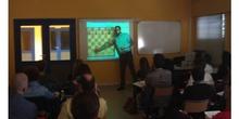 Clase del curso de Ajedrez. Ponente: D. José Luis Fr&iacu