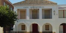 Fachada del ayuntamiento de Torrejón de la Calzada