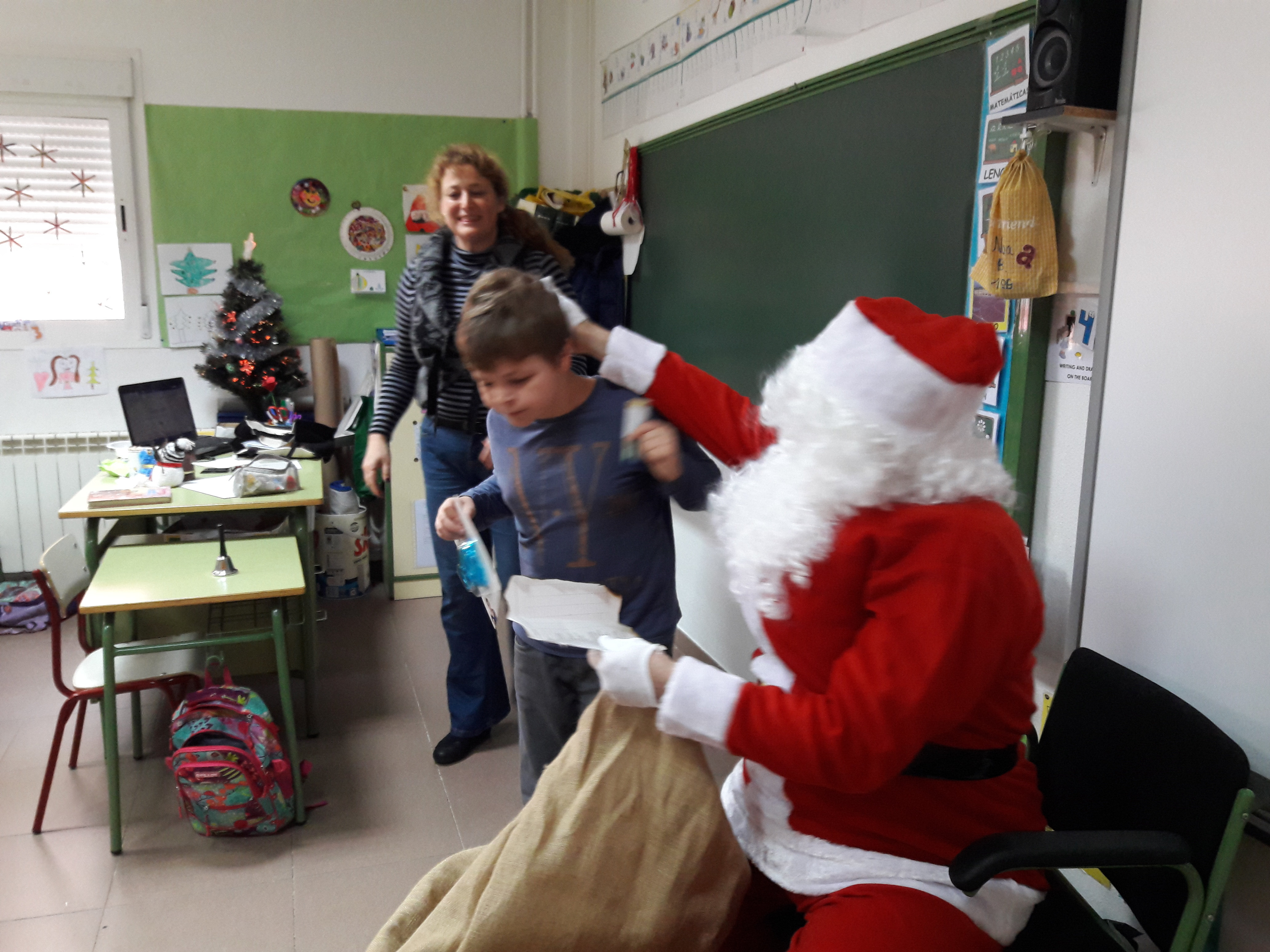 Santa Claus comes to School 24