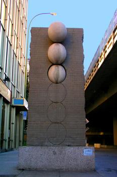 Al otro lado del muro, Museo de escultura al aire libre, Madrid