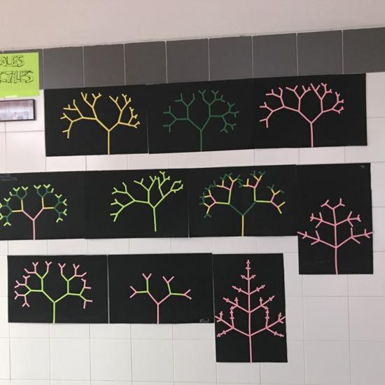 bosque de árboles fractales