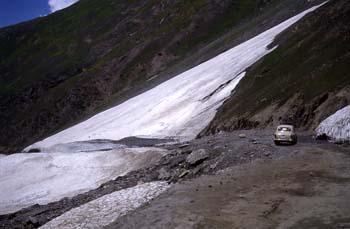 Paso de montaña de Zoji-La entre Ladakh y Cachemira (1), Jammu y