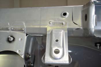 Soldadura de aluminio MIG sobre larguero