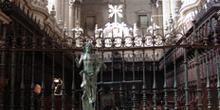 Pila bautismal y coro, Catedral de Jaén, Andalucía
