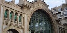 Arco de entrada del mercado de Zaragoza