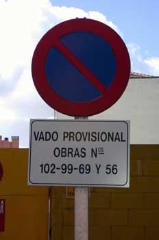 Señal de tráfico (prohibido estacionar)