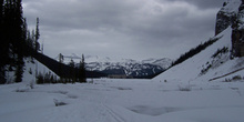Lago Louise helado y Monte Whitehorn, Parque Nacional Banff