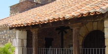 Iglesia y campanario en La Acebeda