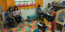 Visitamos la nueva biblioteca del colegio