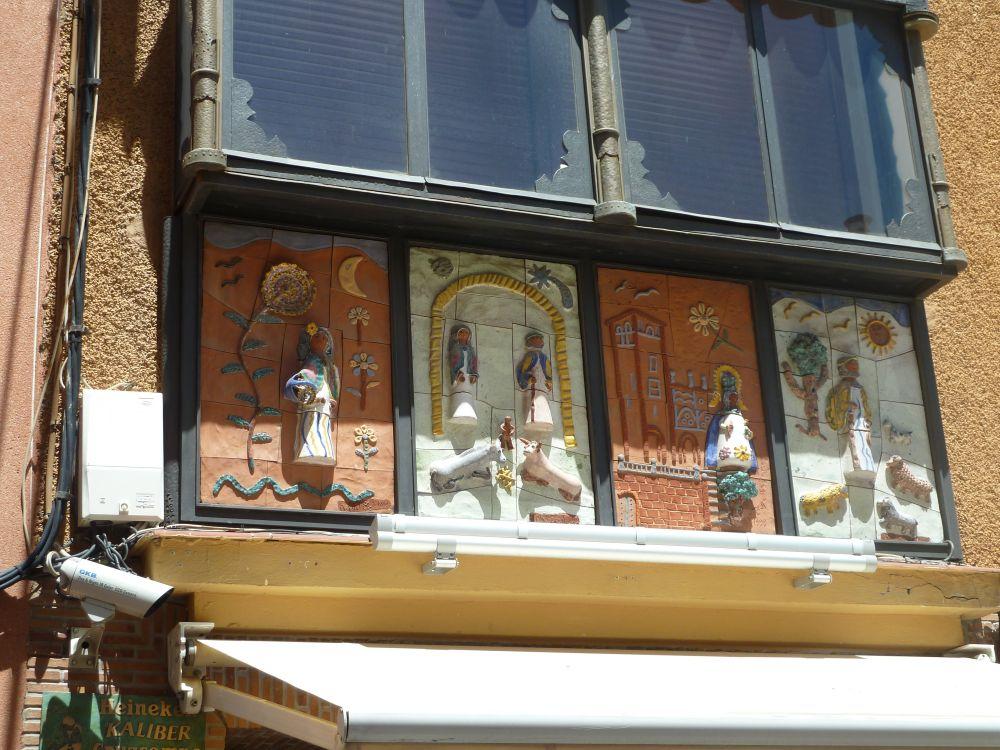 Balconada en una calle de Mérida