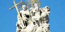 Estatua de la Sagrada Trinidad, Plaza de la Santísima Trinidad,