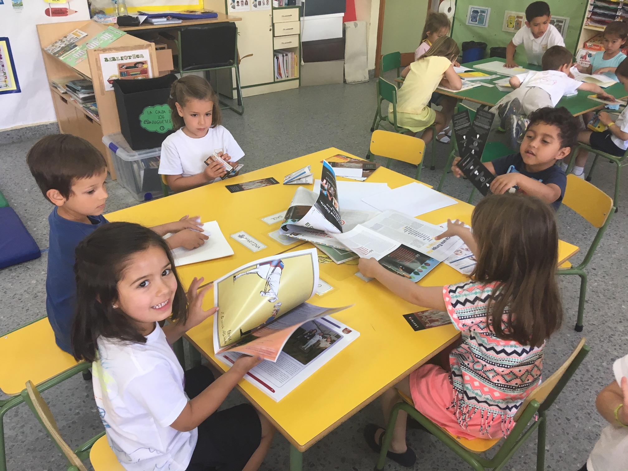 2018_06_25_Los pulpos disfrutan de un taller de libros 7